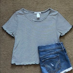 4/$20! Striped crop top